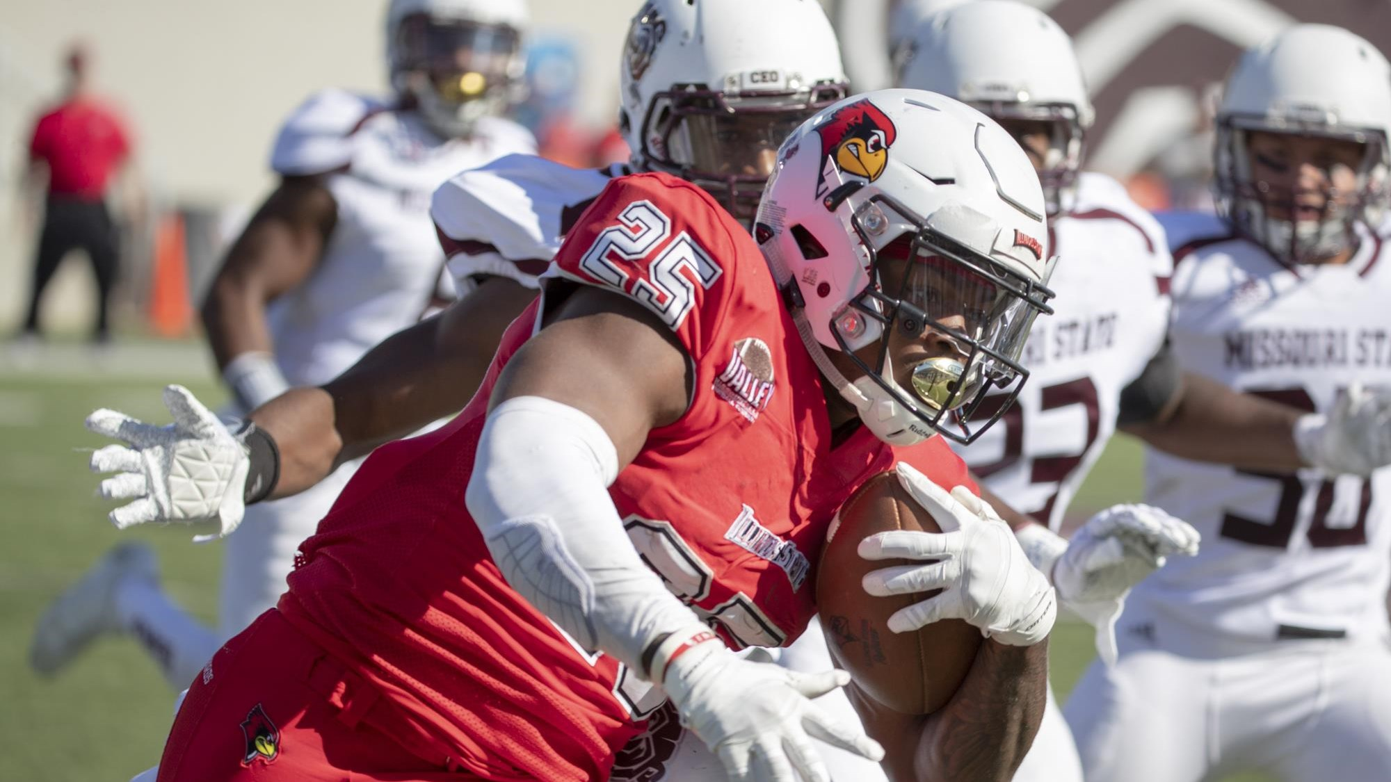 Redbirds Suffer First Loss At Missouri State 24 21 Illinois State